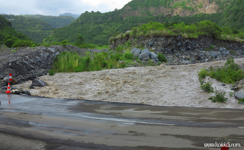 Bras de Cilaos au radier du Ouaki